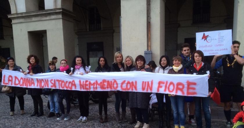 Piazza Duomo Voghera 15/03/2014...C.H.I.A.R.A. O.N.L.U.S.